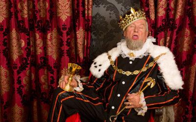 Umarł król, niech żyje król?
